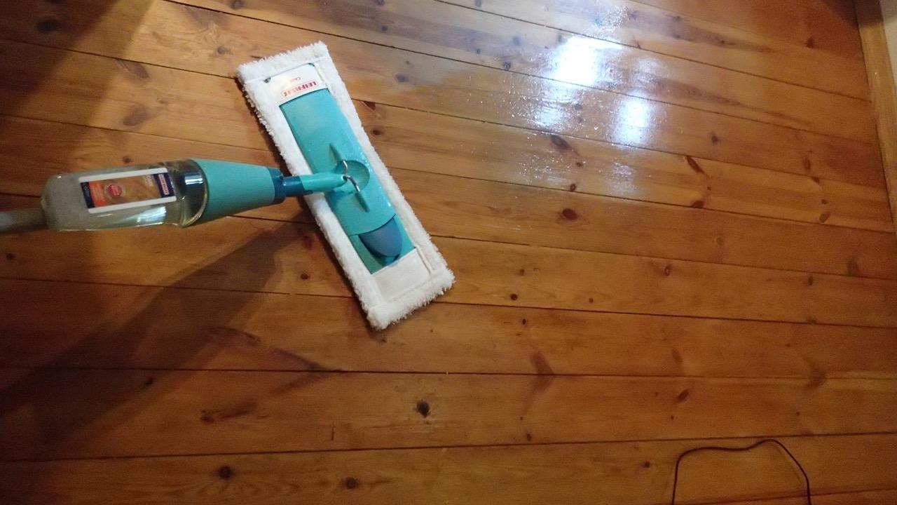 Holzdielen Putzen holzdielen putzen auch im bad lsst sich der bodenbelag verwenden